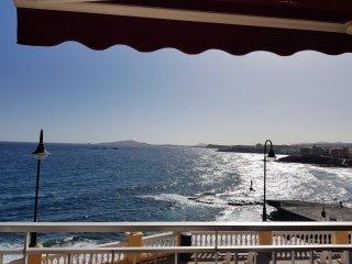 Piso en primera linea con vistas directas al mar