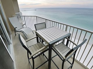 12TH FLOOR Gulf front 1 bedroom 2 bath sleeps 6 GREAT LUXURY UNIT