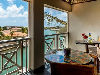 BreezyBonaire Breezy Loft marina front apartment - Adorable and affordable!