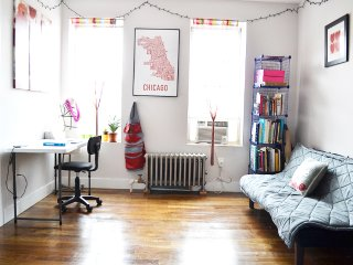 Artist Bedroom in Brooklyn Near Prospect Park