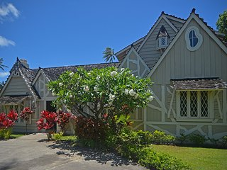 The Historic Gingerbread House in Kahala, Oahu