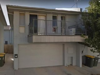 Gungahlin Gem, serviced apartment, close to shopping center and restaurants