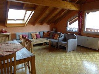 Messe CGN/DUS: Großräumige  4-Zimmer-Wohnung in guter Verkehrslage