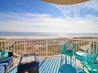 Endless Gulf Views at Spanish Key – Chic 3BR Condo with Pool, Gym & Hot Tub