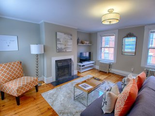 Luxe Beacon Hill Boston 1 Bedroom, Private Deck