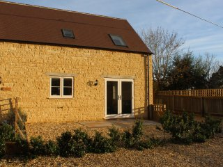 Lavender Barn East, Bourton on the Water, great location rental with internet.