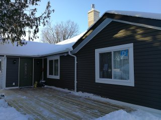 Fabulous waterfront 5 bedroom cottage in Kawartha lakes