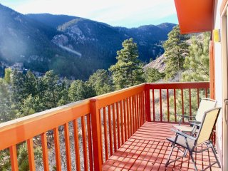 Large Mountain Getaway-Green Mountain Falls, CO,10 minutes from Colorado Springs