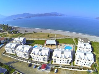 (Apt 1) two bedroom for 6 persons directly sea view apartments