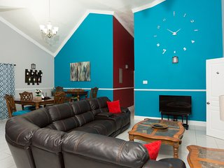 1 Bedroom Luxury Apartment, (Casa Tianna Kingston)