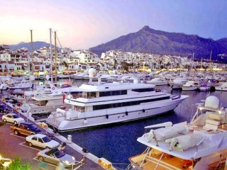 UP TO 14 People 1km to Puerto Banus Playground of the Rich & Famous