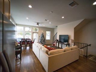 San Antonio, TX 3000 SQFT Downtown Condo