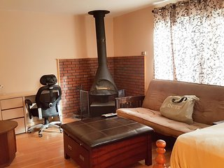 Cozy Cabin Fully Furnished for Two