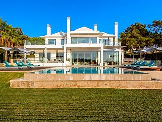 5 bedroom Villa in Quinta do Lago, Faro, Portugal : ref 5509655