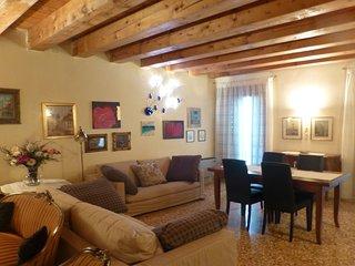LUXURY & EXCLUSIVE !!! Appartamento PALAZZO DELLA RAGIONE in Piazza Delle Erbe