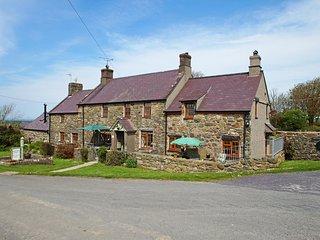 Cottage on Llyn Peninsula. Y Feillionen. 413613