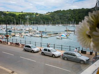 Riverside Holiday Apartment in Dartmouth, 3 Bed, 3 Bath