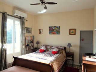 Apartment Barral, spacious, lovely and comfy - 5 minutes walk into town & port