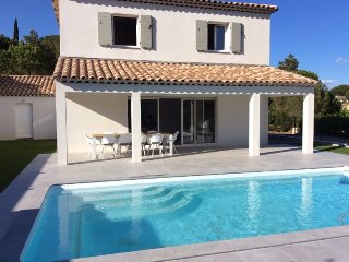208119 new built 3-bedroom villa,airco,private pool,centre 1 km, private domain.