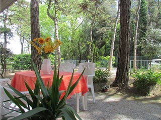 Apartment in Villa on the ground floor with private garden - Great location