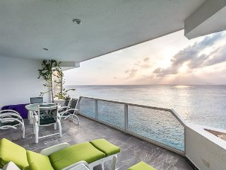 Condo Caribbean (6N) — Oceanfront Living, Gorgeous Sunsets, Clos