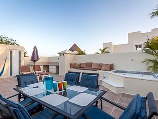 Casa Monique (32) — A Penthouse in the Heart of PDC