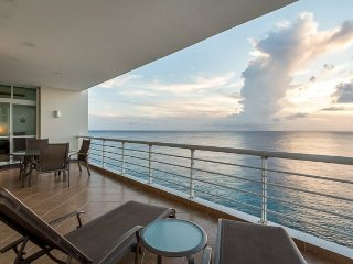 Casa Ocean View (602) — Sweeping Ocean Views, High Floor, Infini
