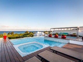 Casa Jay & Capsi (304)—Incredible Ocean View, 1 Block to Beach