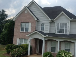 Beautiful large home in great subdivision , 16 miles from downtown Atlanta