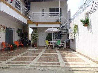 Alojamiento en Sta Marta, Bello Horizonte tranquilo, acogedor a 700 mts la playa