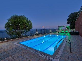 Eleni one-beroom villa with sea view