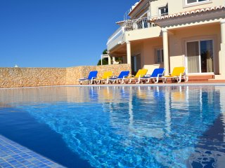 Villa Centeanes - New!