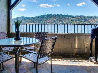 Gorgeous lakefront condo w/ elder access, shared pool, & private patio