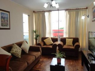 Miraflores apartment with parking