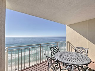Breezy Oceanfront Panama Beach Condo w/Pool Access