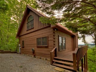 WIT'S END - 3BR/3BA SPLIT LOG HOME WITH LONG RANGE MOUNTAIN VIEWS