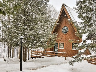 NEW! 4BR Gaylord Ski Chalet w/Sauna-Mins to Slopes