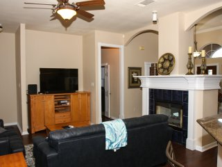 4/2 Ranch Style House 3 miles from AT&T Stadium