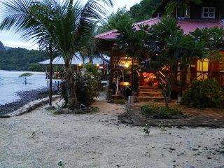 Jemuruk Island Chalets JC-08