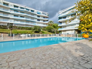 Grand appartement 9 personnes face piscine