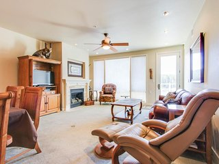 Elegant, waterfront condo overlooking the Spokane River w/ upscale amenities
