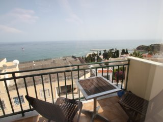 Beautiful 2 Bedroom Apartment with Stunning Sea Views