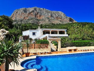 3 bedroom Villa with Pool, Air Con and WiFi - 5511924