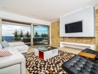 Xabia Villa Sleeps 8 with Pool and Air Con - 5511921