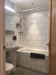 Ash bathroom