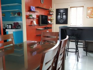 Spacious & Modern 3BR House-w/ FIBR WiFi sleeps up to 12pax