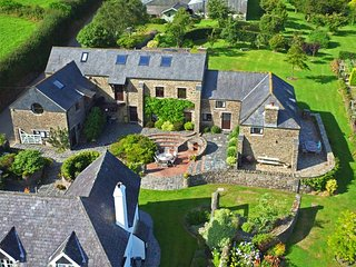 Large Barn Conversion Set in 2.5 Acres of Grounds Just Outside Dartmouth