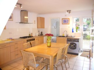 Charming 3 bedroom cottage close to Cowes Marina