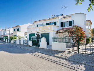 3 bedroom Villa in Manta Rota, Faro, Portugal : ref 5700325