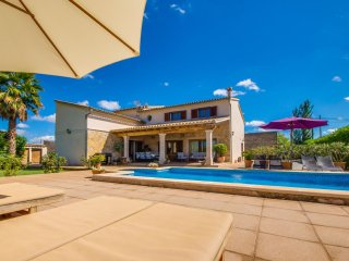 Inca Holiday Home Sleeps 8 with Pool Air Con and WiFi - 5503142